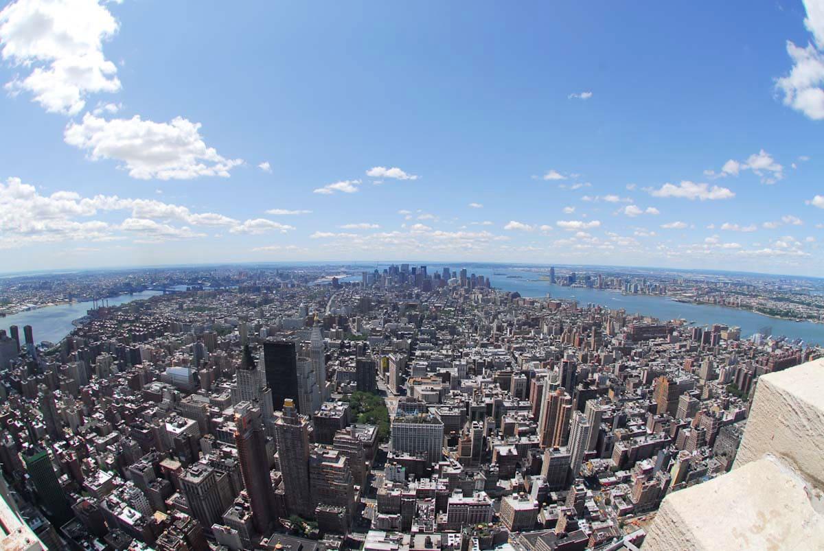 晴天の日に展望台から見るニューヨークの風景