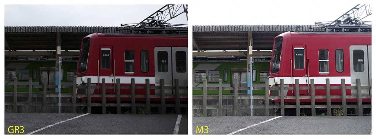 赤と白ラインが入った電車