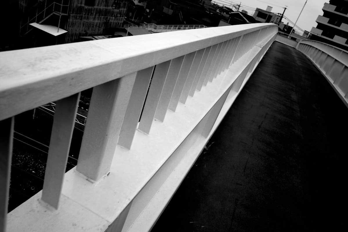 陸橋の歩道