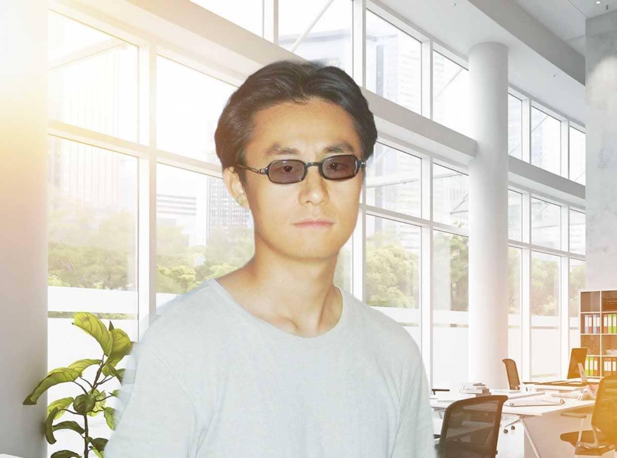 サングラスをかけた男性