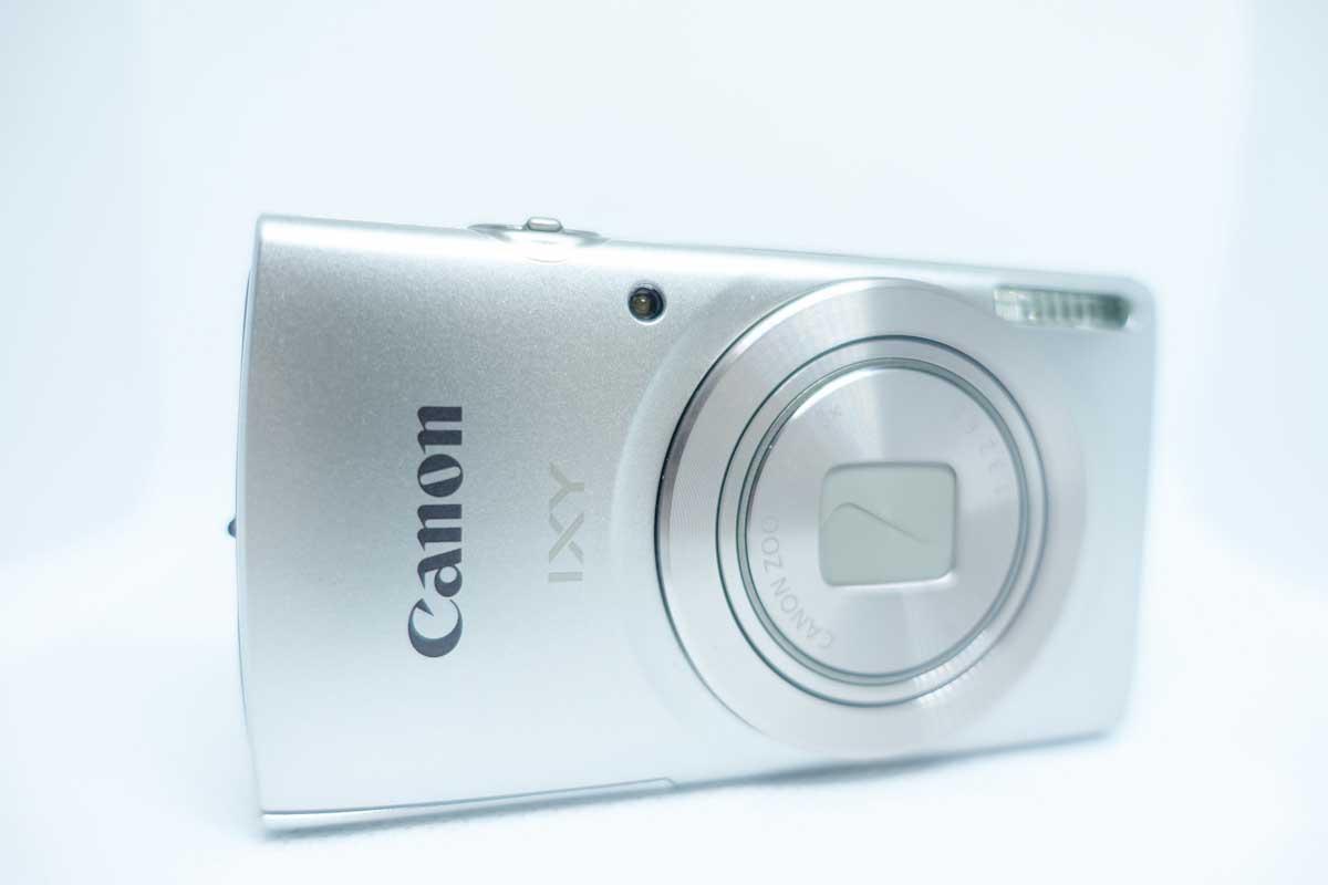 canon ixy200のデジタルカメラ